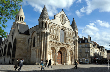 Notre-dame, Poitiers